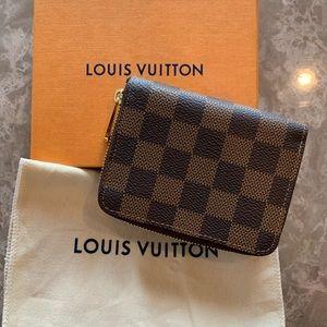 Authentic Louis Vuitton Zippy Coin Purse (NEW)